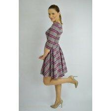 Sukienka rozkloszowana w kratę